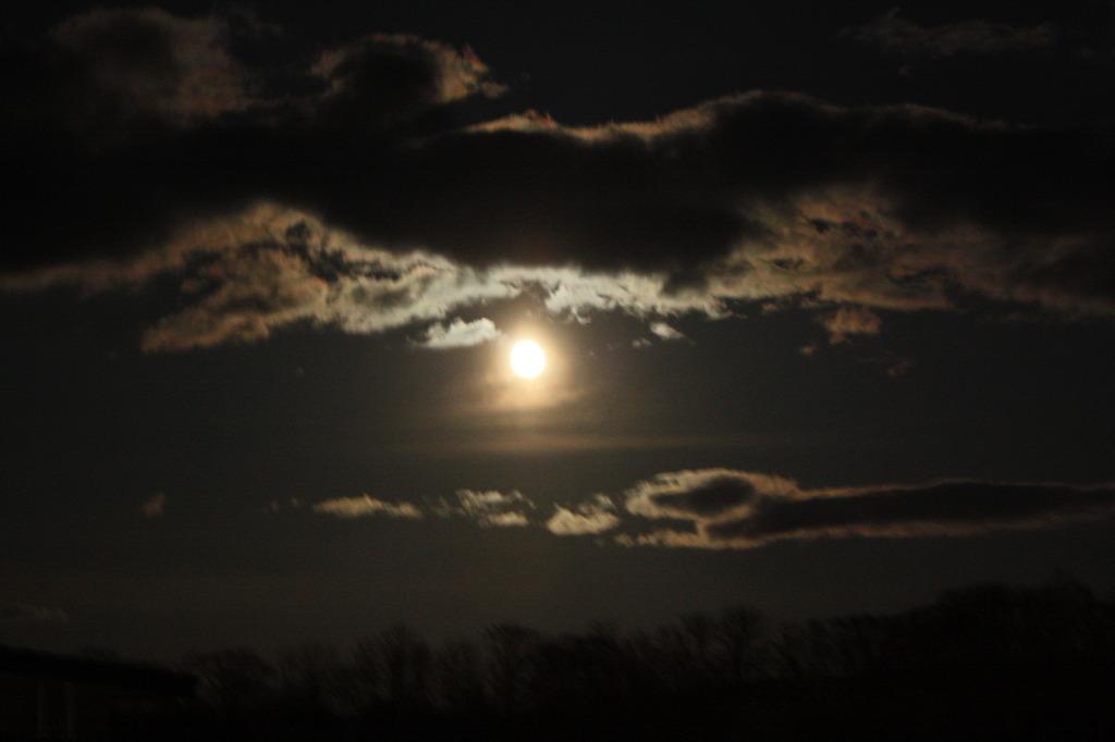 今宵、月が燃ゆる時