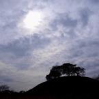 OLYMPUS E-420で撮影した風景(雲の隙間に差し込む光)の写真(画像)