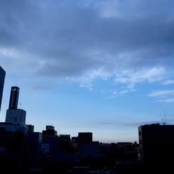 OLYMPUS E-420で撮影した風景(この空の向こうは晴れ)の写真(画像)