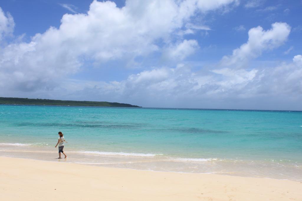 沖縄の海と嫁2