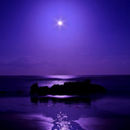 PENTAX PENTAX K-xで撮影した風景(月夜の海原)の写真(画像)