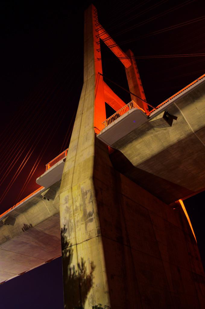 塊 ~海を渡る橋~