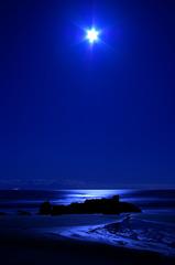 月に照らされし海原