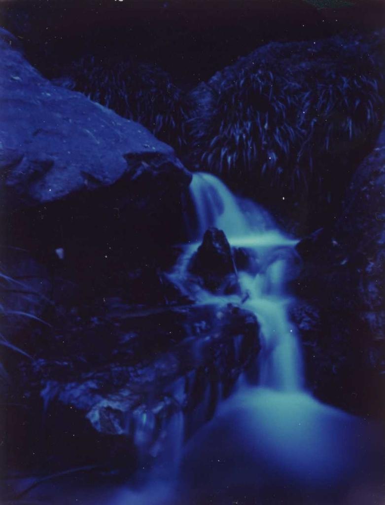 ポラロイドPinhole写真 見返りの滝