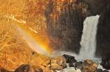 朝虹の苗名滝
