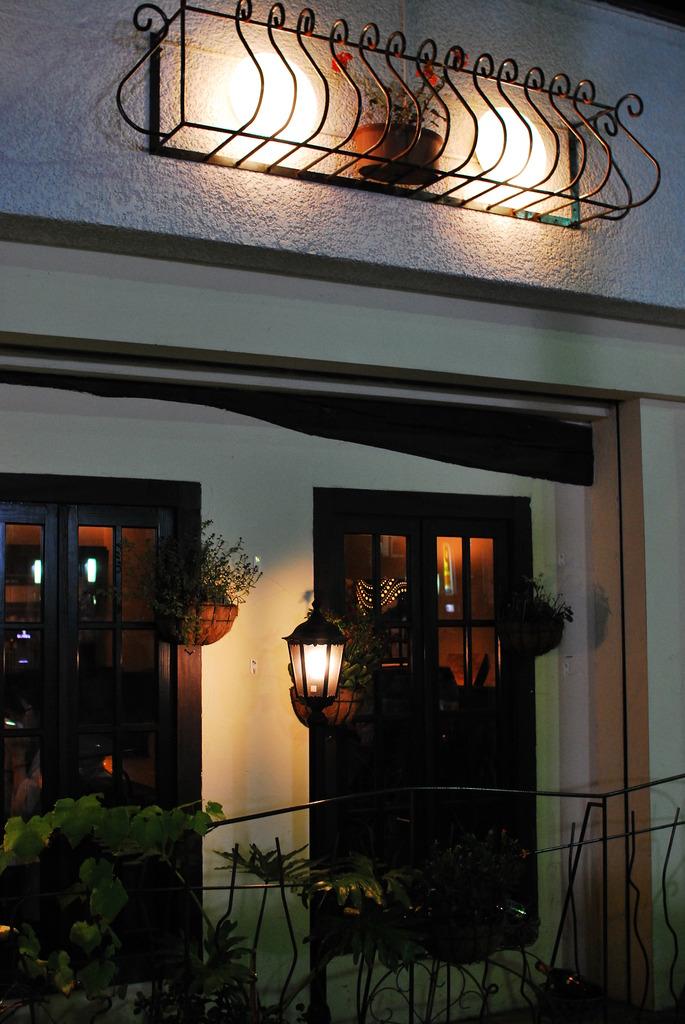 夕暮れのレストラン