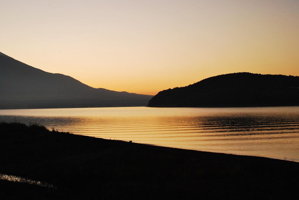 夕焼けの山中湖