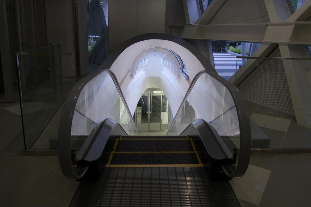 基地への入り口
