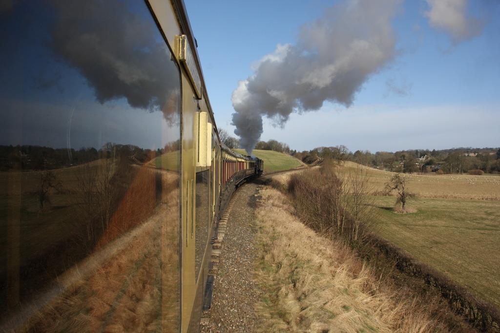 蒸気機関車の窓から