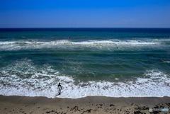 波に向かう