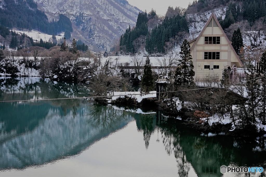 冬の始まり9(湖に映る風景)