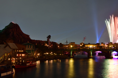 ハドソンリバーブリッジの眺望 …ディズニーシー夜の彩