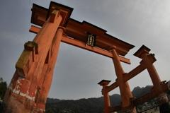 厳島神社鳥居 広角