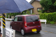 雨の日は傘も必要