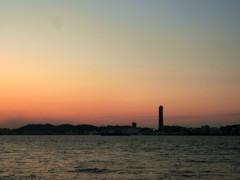 夕やみ迫る関門海峡1