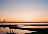 OLYMPUS OM-2で撮影した(漁港の夕暮れ2)の写真(画像)