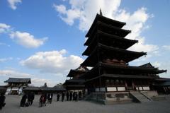 京都-奈良~修学旅行生と五重塔~