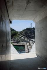 佐田岬 砲台入り口からの燈台