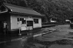 SDIM口羽駅 駅舎等