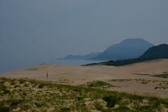 砂丘に立つ。