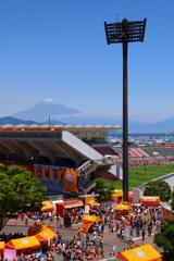 富士の下に