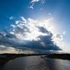 川にかかる雲