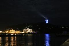片瀬漁港より望む夜の江ノ島
