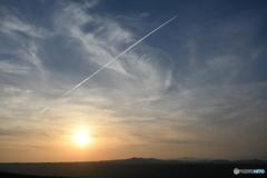大観峰 ひこうき雲 夕暮れ 夕日