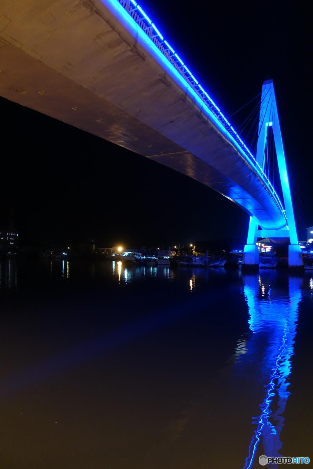 恋人橋のライトアップ