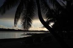 朝焼けのビーチ