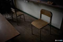 主を失った椅子