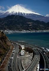 荒れる富士山