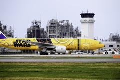 STAR WARS 777‐200『C-3PO ANA JET』