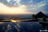 山の上のレストランから望む夕日