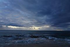 太陽を追いかけて南台湾の海へ、だけど迫ってくるのは暗闇…