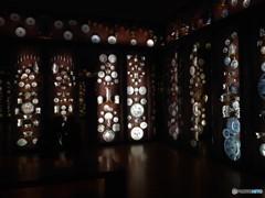 セラミックスの輝き (シアトル美術館の壁)