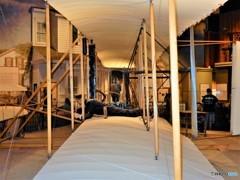 ライト兄弟が作った通路 (スミソニアン 航空宇宙博物館の壁 2)