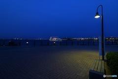 横浜の港で