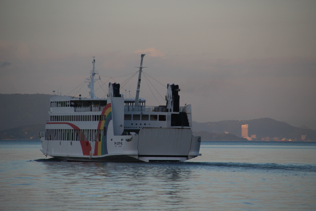 出港 The ship will sail to Takamatsu