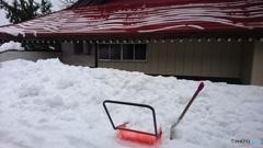 雪国の生活、屋根の雪おろし