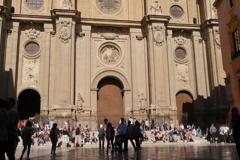 グラナダ大聖堂前の寛ぎ