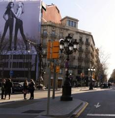 3組のコンビ~バルセロナ  グラシア通り