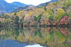 日光・湯ノ湖の秋♪1