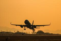 夕焼け飛行機