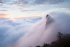 雲海の石鎚山*愛媛