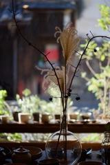 奈良町散歩・・秋深き窓辺