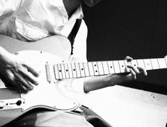 ギター男子
