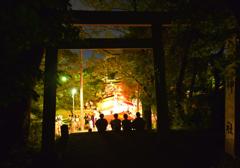 祭りを眺めて