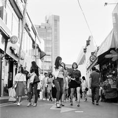韓国の若者の街弘大
