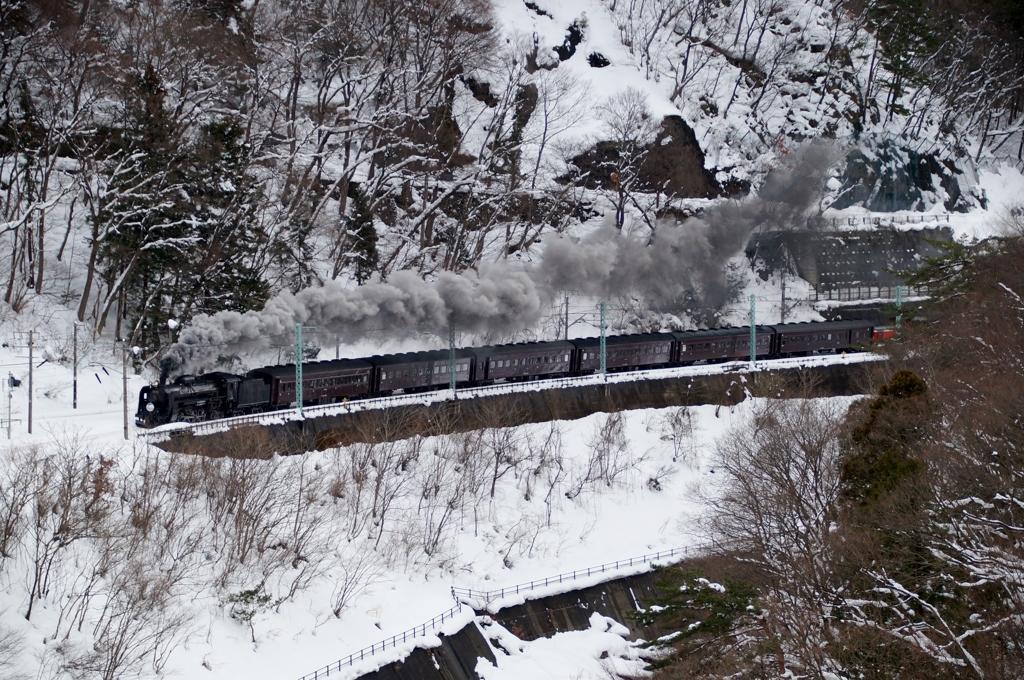 水上諏訪峡の雪景色①